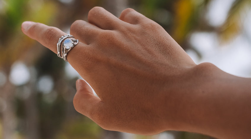 Ring with Moonstone  - Crystals for fertility