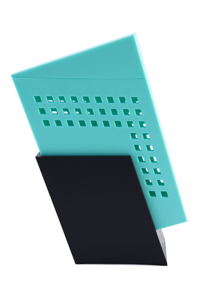 Zojila.com : Icaria Toothbrush Holder : Polystyrene Turquoise & Black Toothbrush holder with Closed Lid: Home & Bath Side view