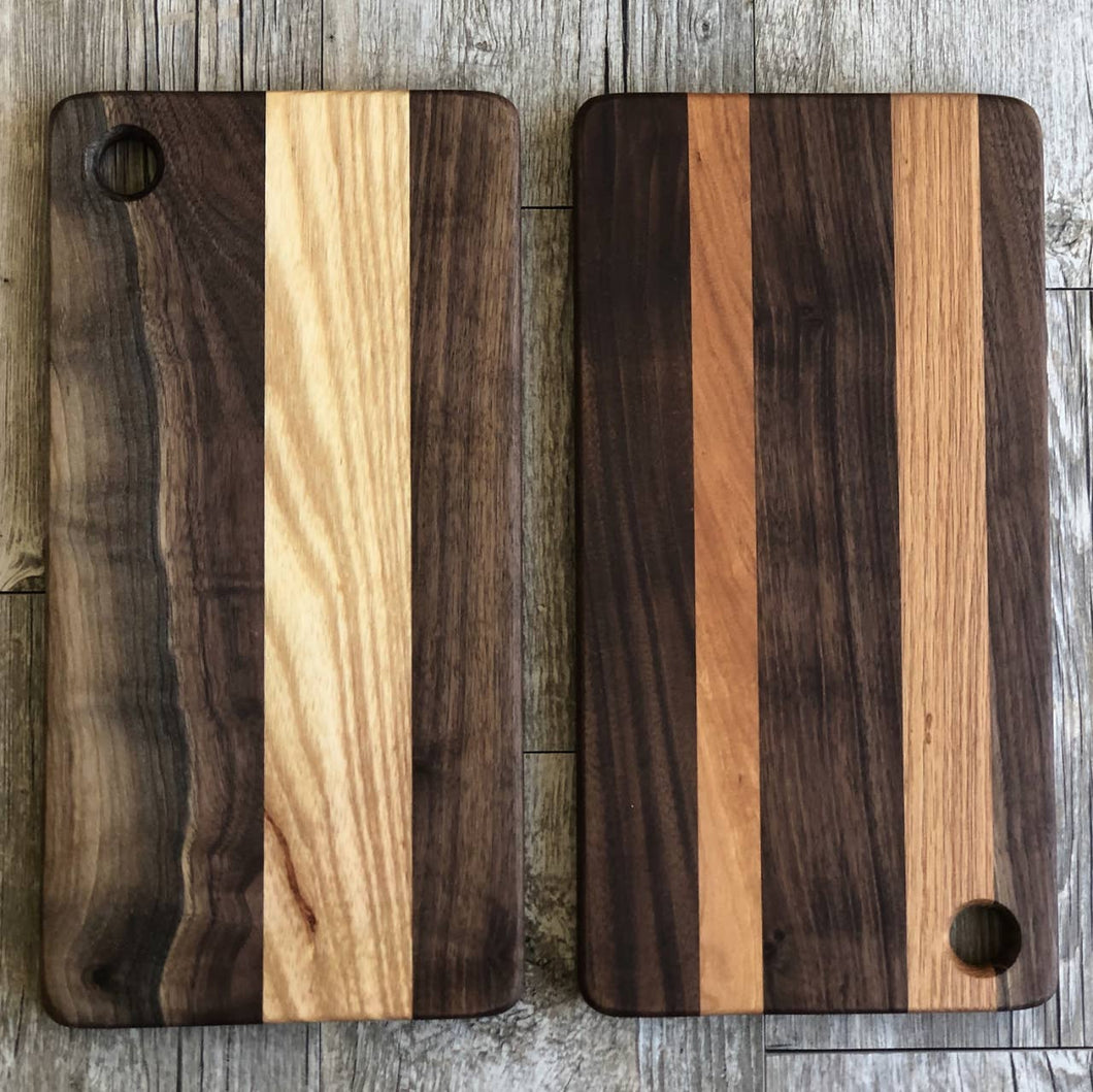 SMALL STRIPE CUTTING BOARD