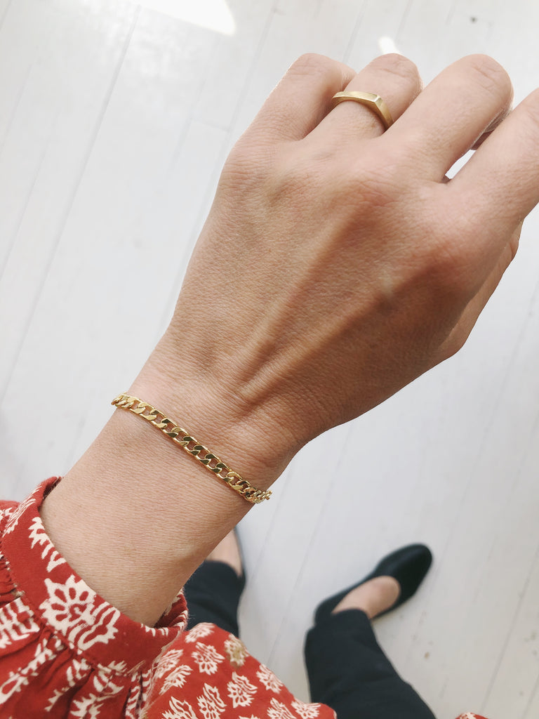 Small Curb Chain Bracelet in Gold