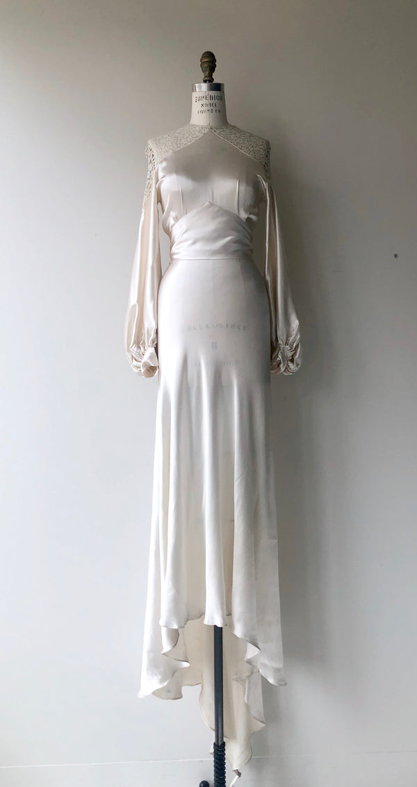 The Pearl 1930s Wedding Gown