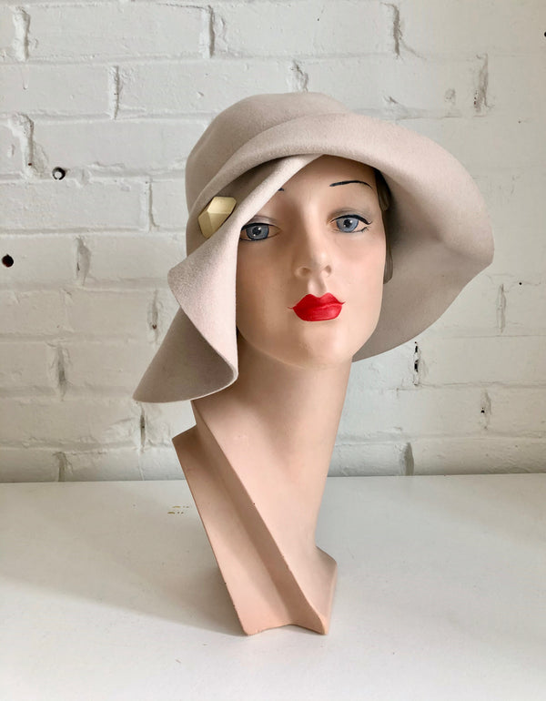 Daino Felted Wool 1920s Cloche Hat