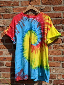 Bold coloured tie dye t shirt size XL