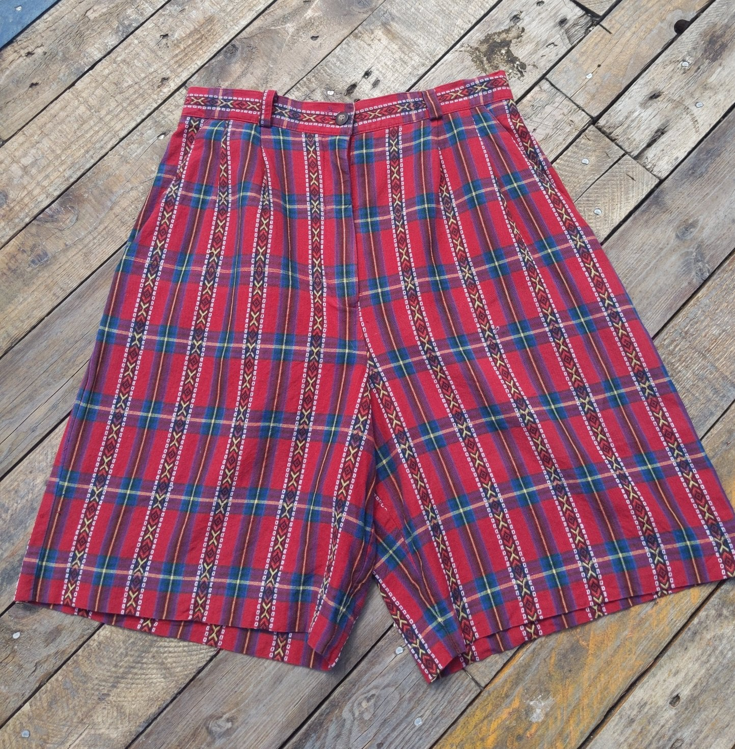 Vintage PineCove high waisted shorts 28""