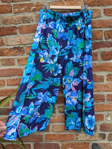 "Bright blue Hawaiian print culottes 30-36"" waist"