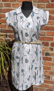 SALE Vintage white floral shift dress approx size 16/18