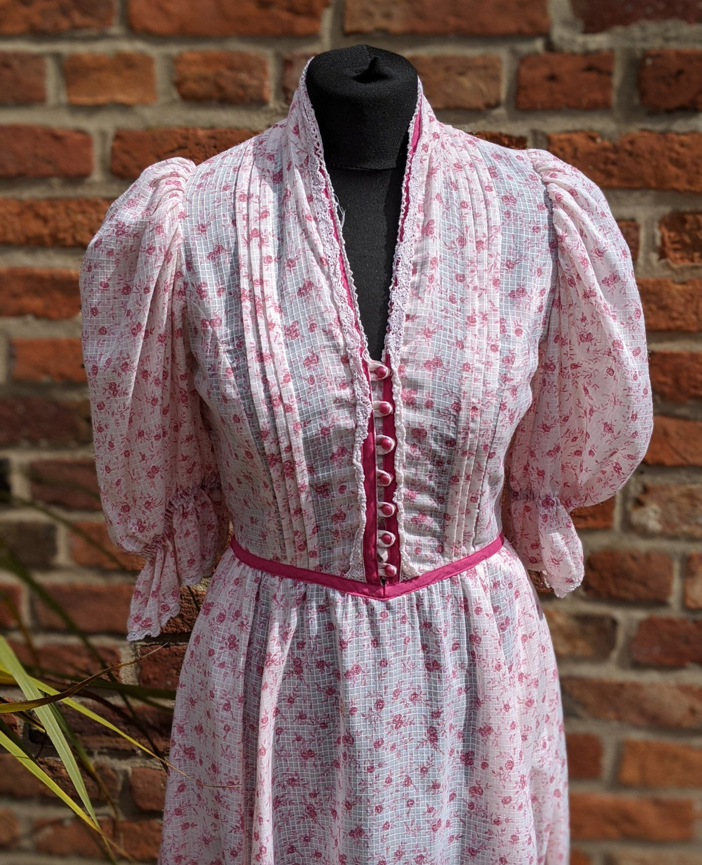 Vintage 70s prairie dress with statement sleeves size 10