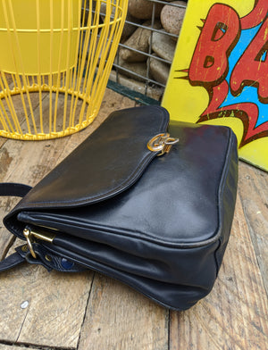 Vintage 80s leather handbag