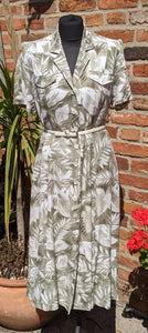 90s subtle floral print dress size 14/16