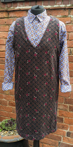 90s patterned pinafore size 8/10