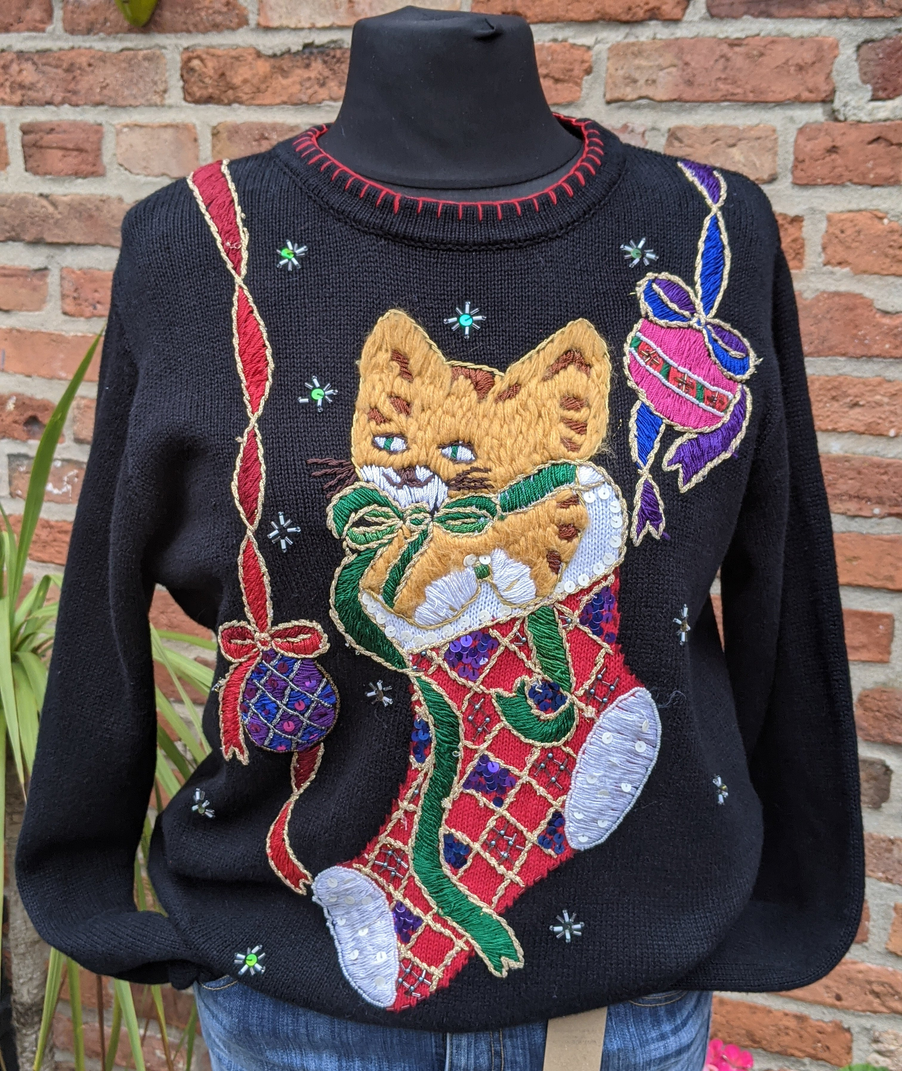 Cute cat embellished Christmas jumper size M/L item 892