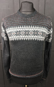 Simple traditional festive acrylic jumper size M item 903