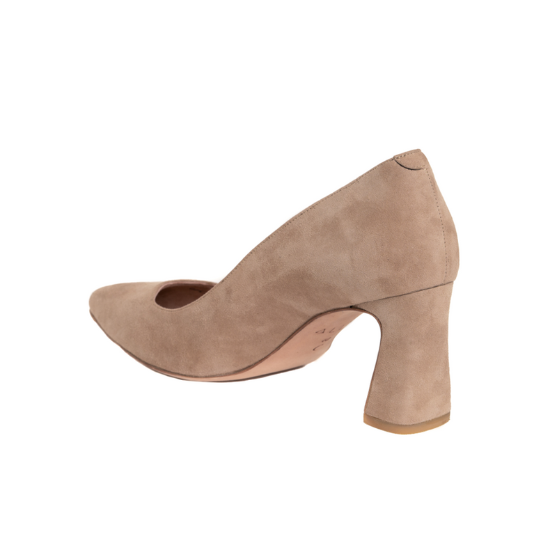 [SAMPLE] Tenacious Tan Suede Block Heel Pump