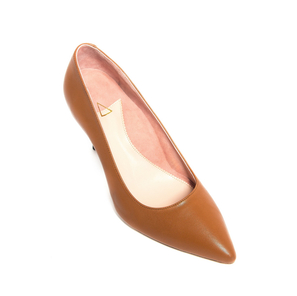 [SAMPLE] Courageous Caramel Leather Pump