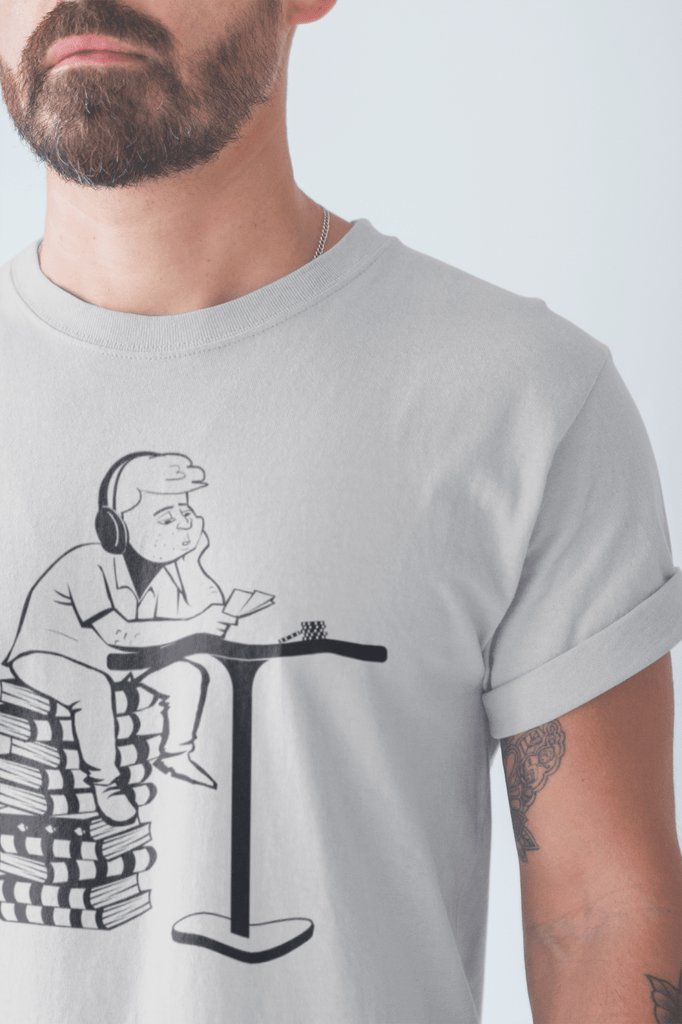 Poker T-Shirt: The Studying Player - Dan Pearce Creative Shop