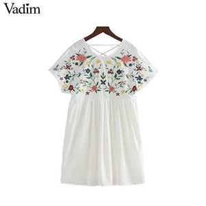 Vadim sweet lace up floral embroidery jumpsuits side zipper short sleeve pleated rompers ladies casual brand playsuits QZ3052-rodewe