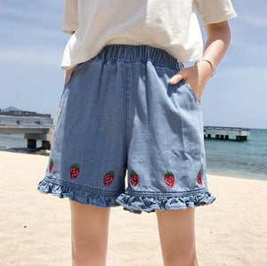 Summer cute strawberry embroidered elastic waist jeans shorts female-rodewe