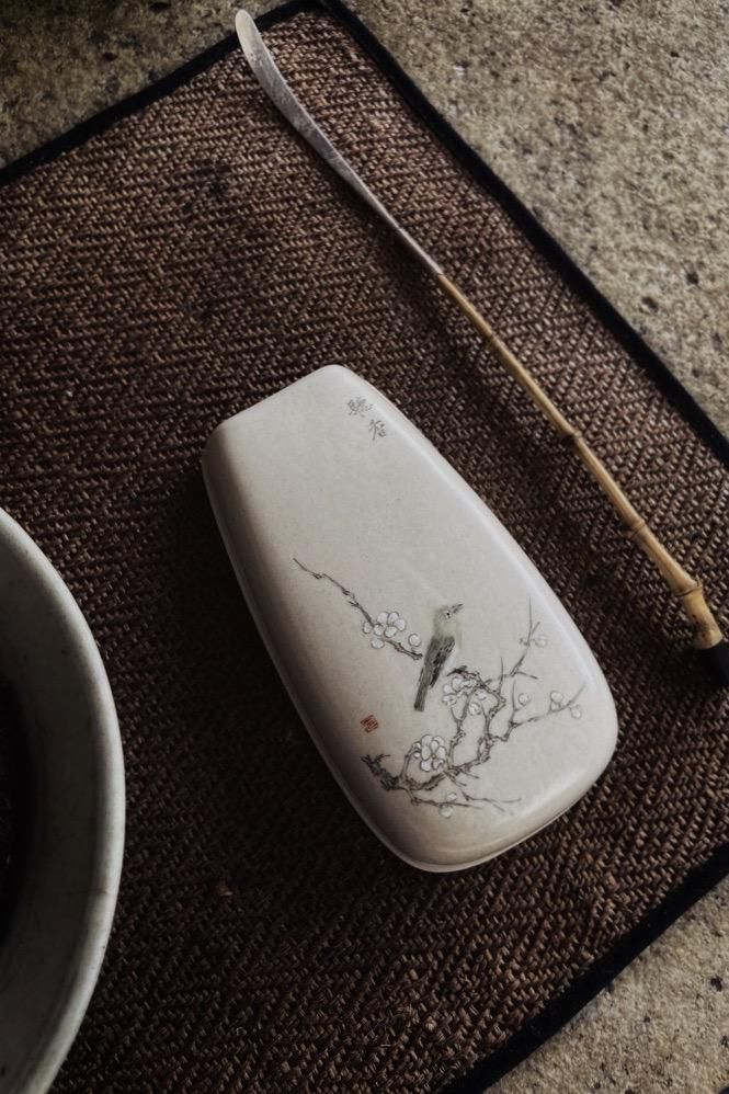 Hand Painted Chinese Plum Vintage Style Gongfu Teaspoon|Best Ceramics