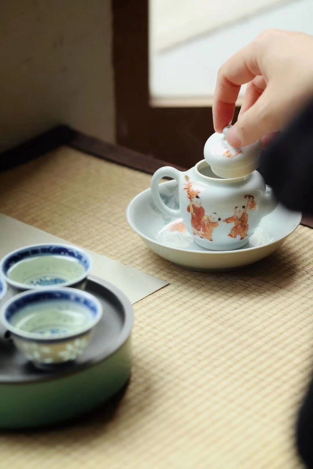 Lovely Chinese Hand-painted Gongfu Teapot Best Ceramics
