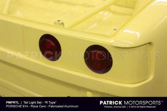 TAIL LIGHT HOUSING ASSEMBLY WITH LENS - 914