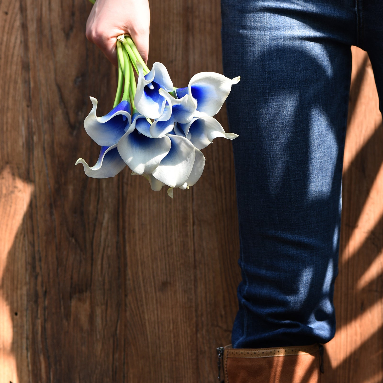 Real Touch Calla Lilies Artificial Flower Bouquet 10 Stems (Silk White & Abyss Blue)