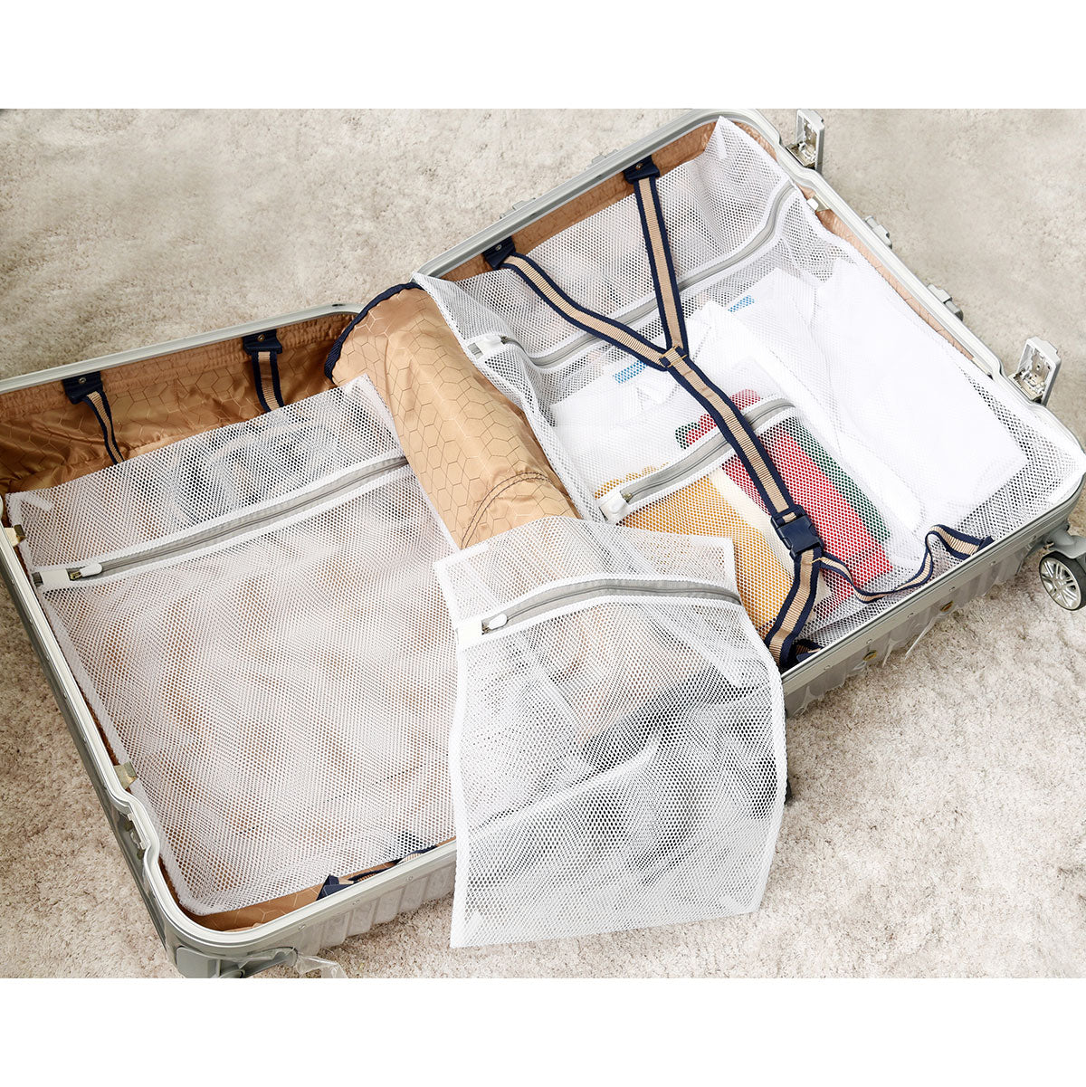 Gray Coarse Mesh Laundry Bags with Zippers 4 Pieces