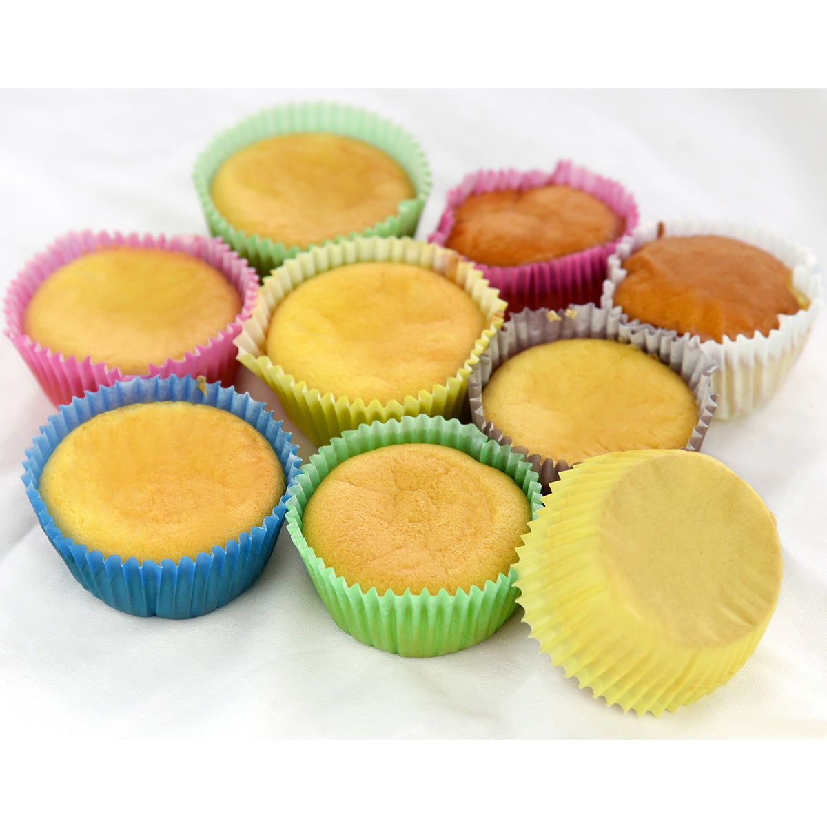 FiveSeasonStuff Pack of 100 Cupcake Muffin Cases/Standard Baking Paper Cups Wraps Liners for Wedding Christmas Birthday Shower Party Carnival Holiday Celebration