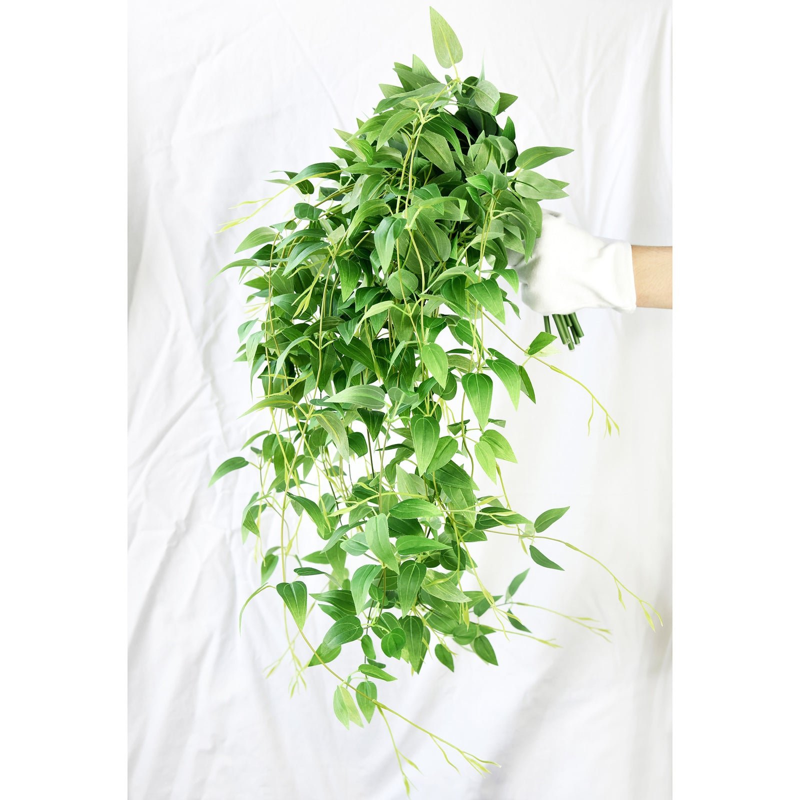 FiveSeasonStuff 10 Hanging Vine Leaf Foliage Plants Artificial Clematis Silk Garland Leaves | for Indoor Outdoor Wedding Decoration DIY Home Wall (86cm length each vine)