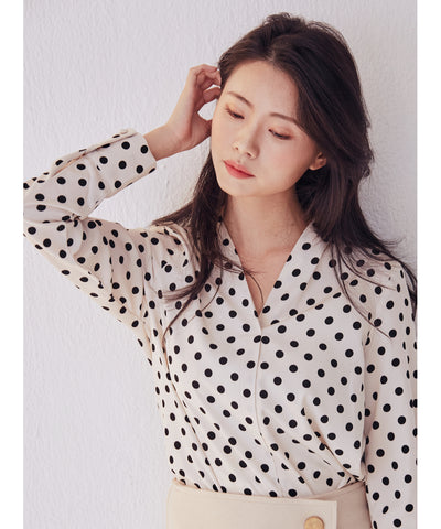 LadyRora 【Polka Dot V-Neck Blouse】CREAM - Rora