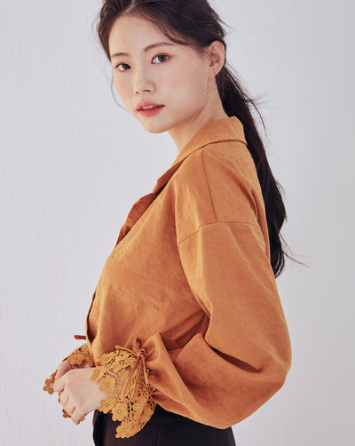 LadyRora 【Lace Cuff Open Collar Blouse】CAMEL - Rora
