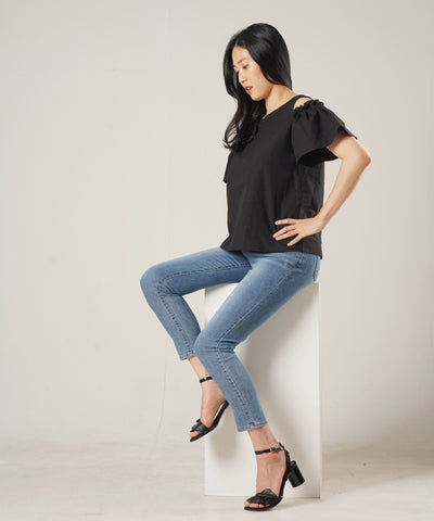 Lady Cold-Shoulder Top - Rora