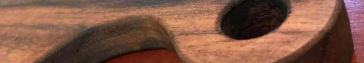 wooden cutting board detail