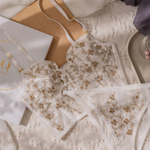 New Embroidery Lace Flowers Bustier set