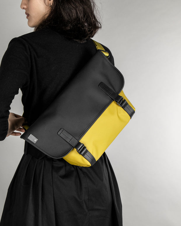 Pacer Messenger Dry - Backpacks & Bags - Inspired by Rock-climbing - Topologie Hong Kong