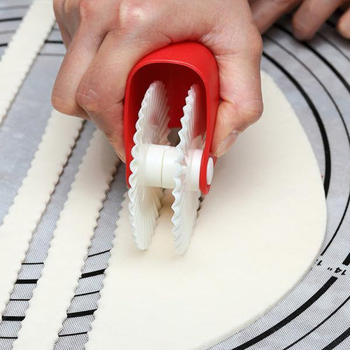 Creative Kitchen Pastry Cutting Wheel
