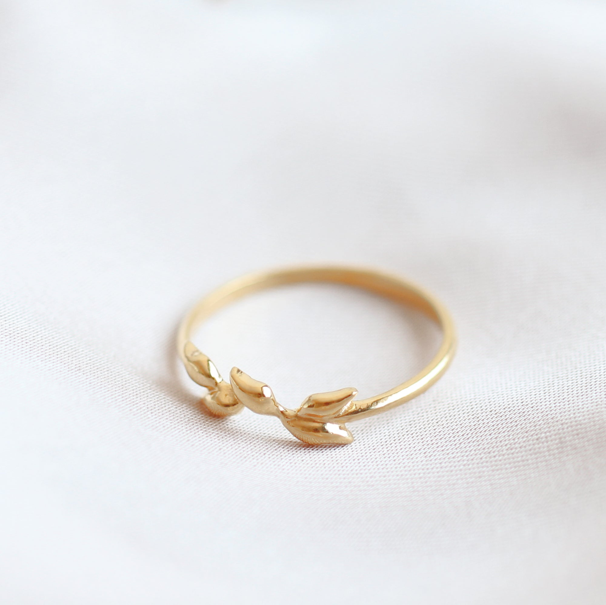 Artemis Ring in 14k gold