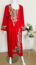 Load image into Gallery viewer, vintage kaftan with embroidery