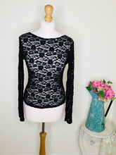 Load image into Gallery viewer, Black floral lace top with long sleeves