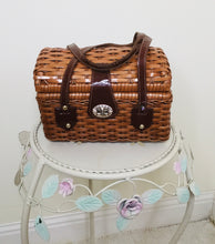 Load image into Gallery viewer, 1950s tan wicker basket style handbag