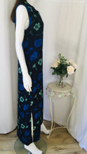 Load image into Gallery viewer, 90s Vintage Navy Floral Maxi Dress