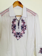 Load image into Gallery viewer, Vintage white peasant style top with floral embroidery