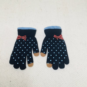 Retro style navy polka dot touchscreen gloves