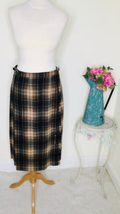 Vintage kilt in Black and Tan plaid