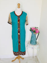 Load image into Gallery viewer, Vintage turquoise embroidered  longline tunic