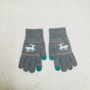 Retro style grey gloves with Scandi deer
