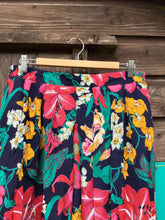 Load image into Gallery viewer, Vintage Navy Floral Print Skirt