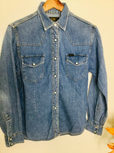 Load image into Gallery viewer, Vintage Lee denim shirt
