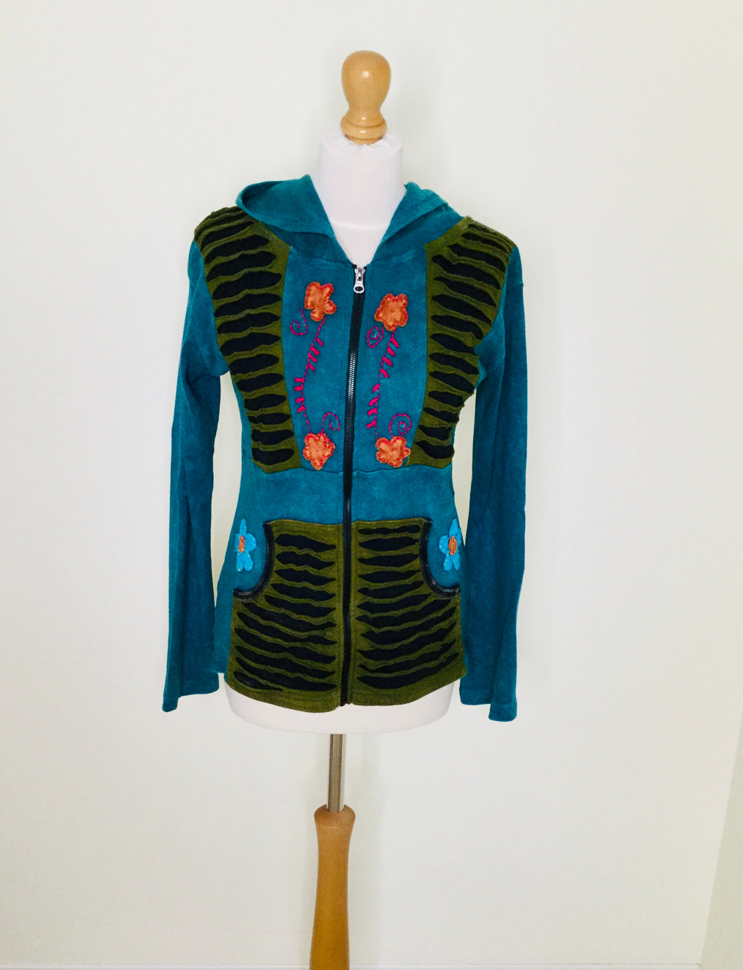 Vintage teal hooded zip front top with floral appliqué