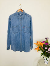 Load image into Gallery viewer, Vintage Levi's blue denim shirt