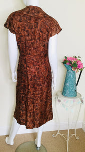 Vintage day dress with pockets
